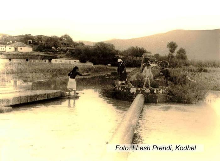 Dok-Ura e kanalit gjatë përmbytjeve