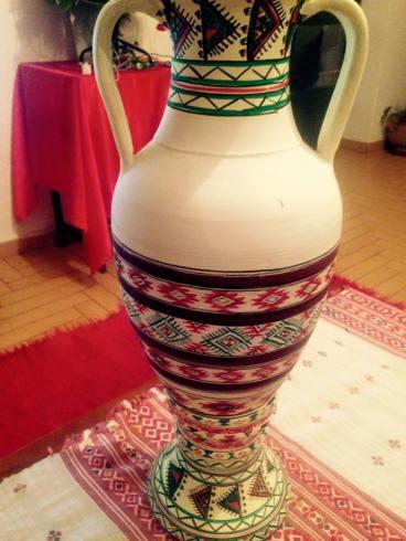 Jana- dekoracion popullor në vazo