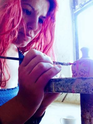 Jana gjatë punimit në porcelan