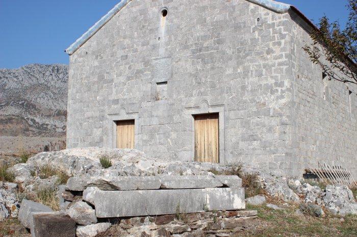 Gdhendje guri-kisha e Nënshatit