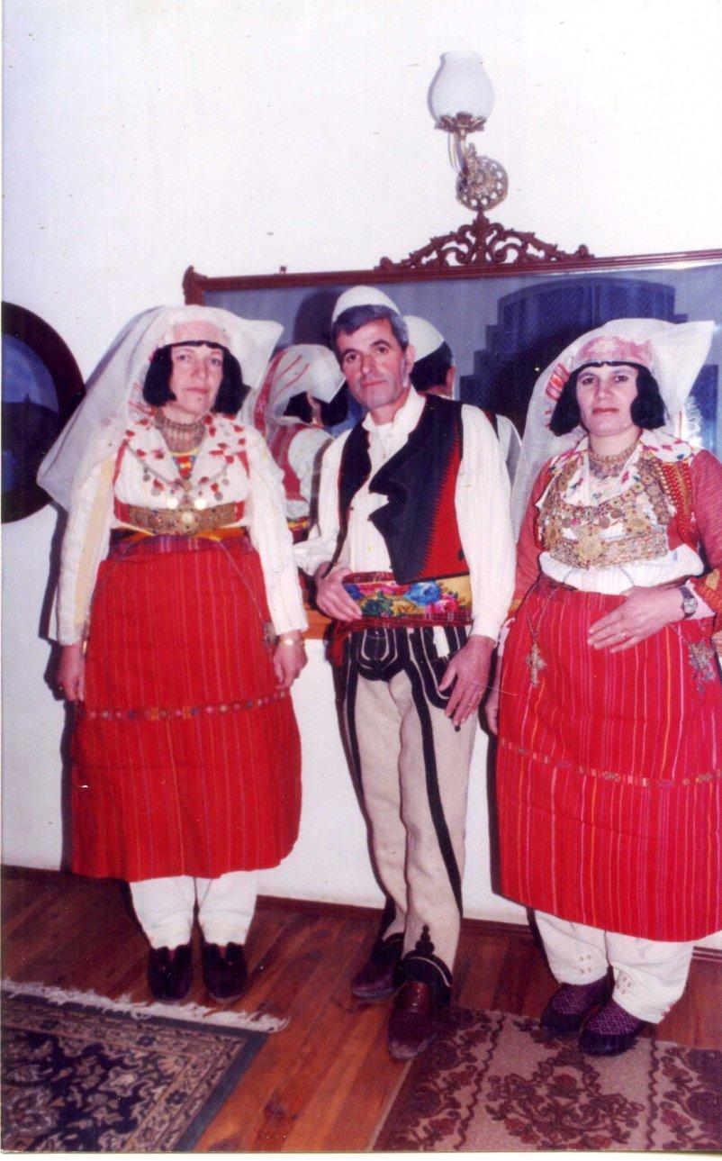 kostume zadrime(burrë e gra)