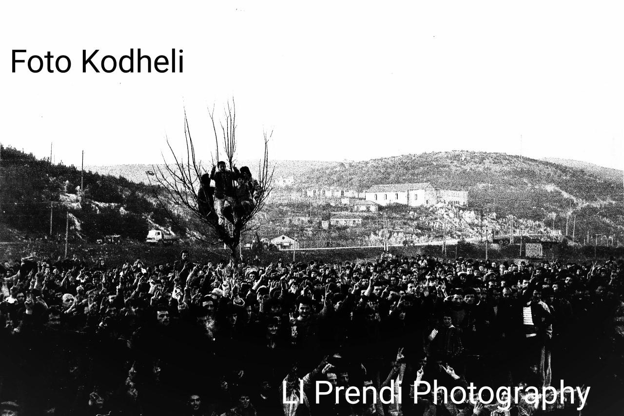 Ll. Prendi-miting në Lezhë 12 janar 1991