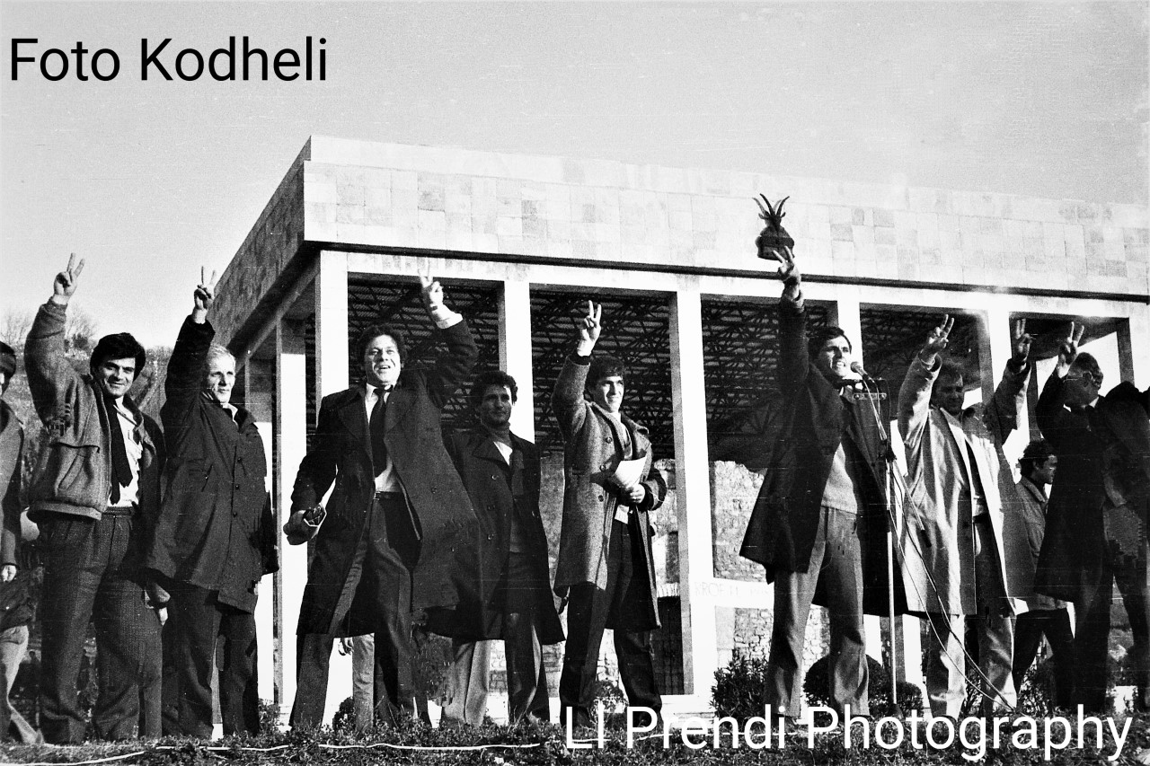 Ll. Prendi-mitingu i PD Lezhë 12 janar 1991