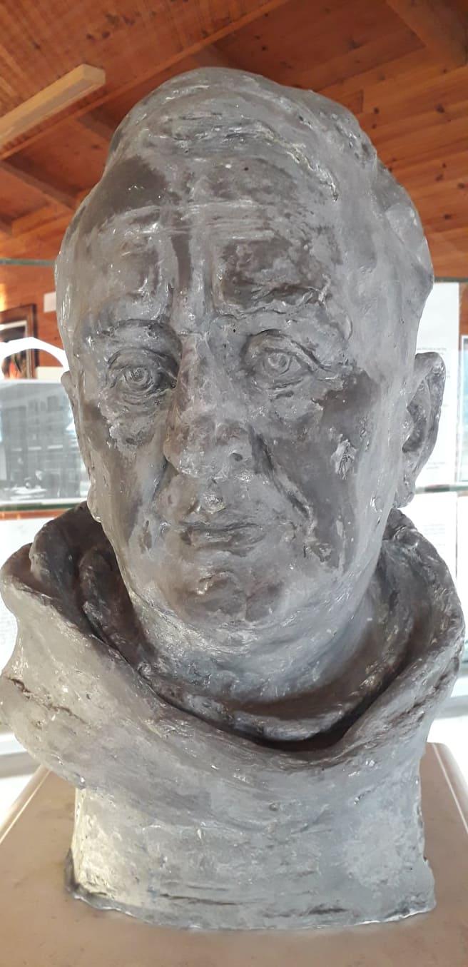 Busti i Gj. Fishtës i dhunuar në sistemin komunist